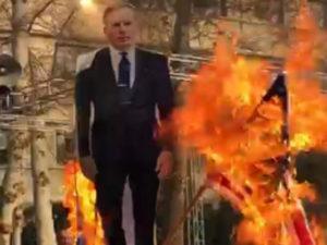 "İranda ingilis səfir ""persona non grata"" elan edildi, fotosu yandırıldı"